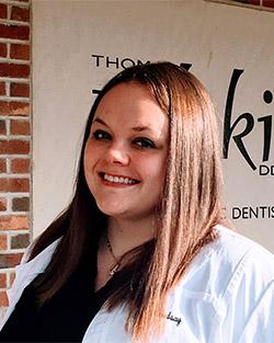 Lindsay Smiling in bio photo