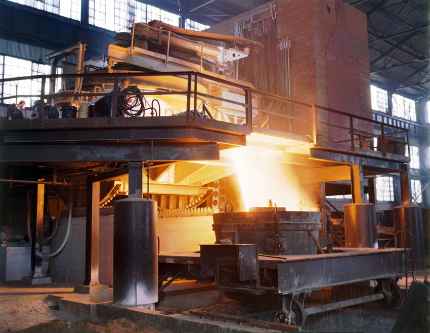 Electric arc furnace and components such as mast arms and electode clamp | Hydrosol System