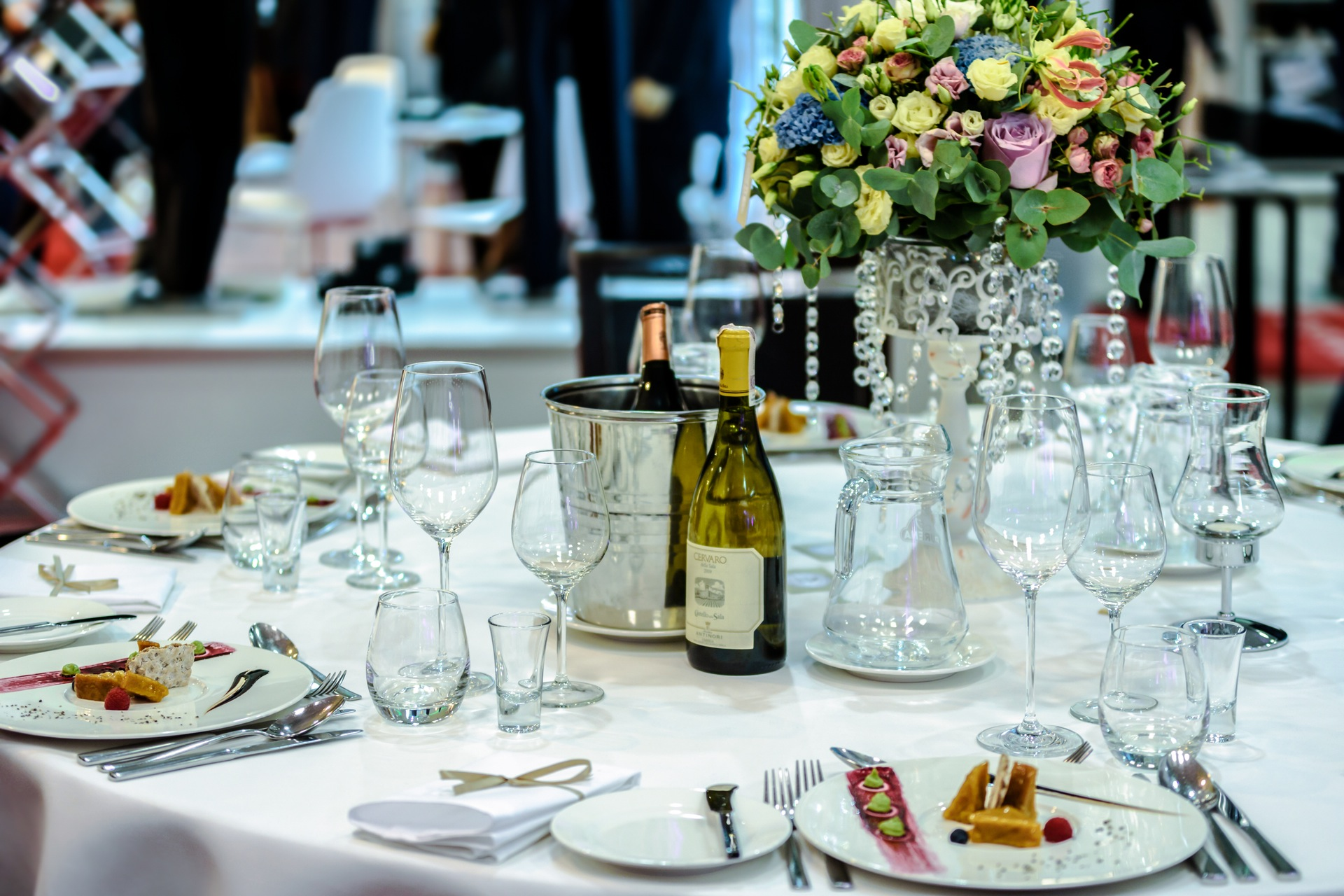 Summer Table Etiquette and Proper Settings