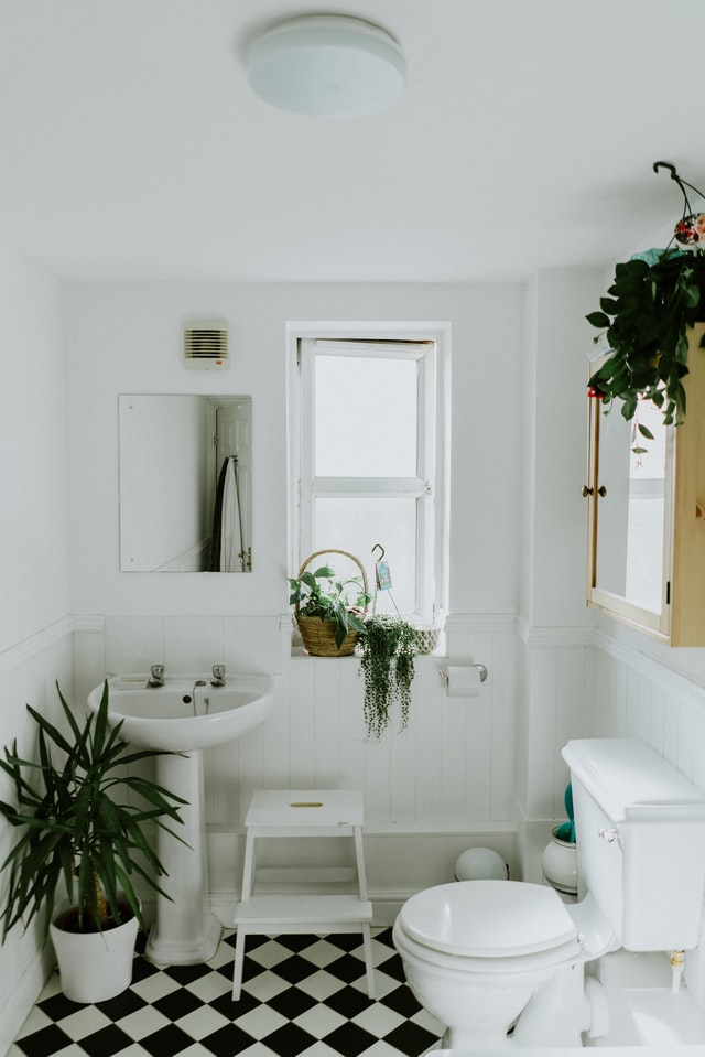 Four Small Bathroom Projects You Can Do Right Now