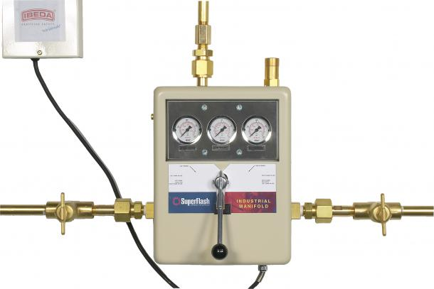 Pressure Manifold Changeover for Gas Cylinders